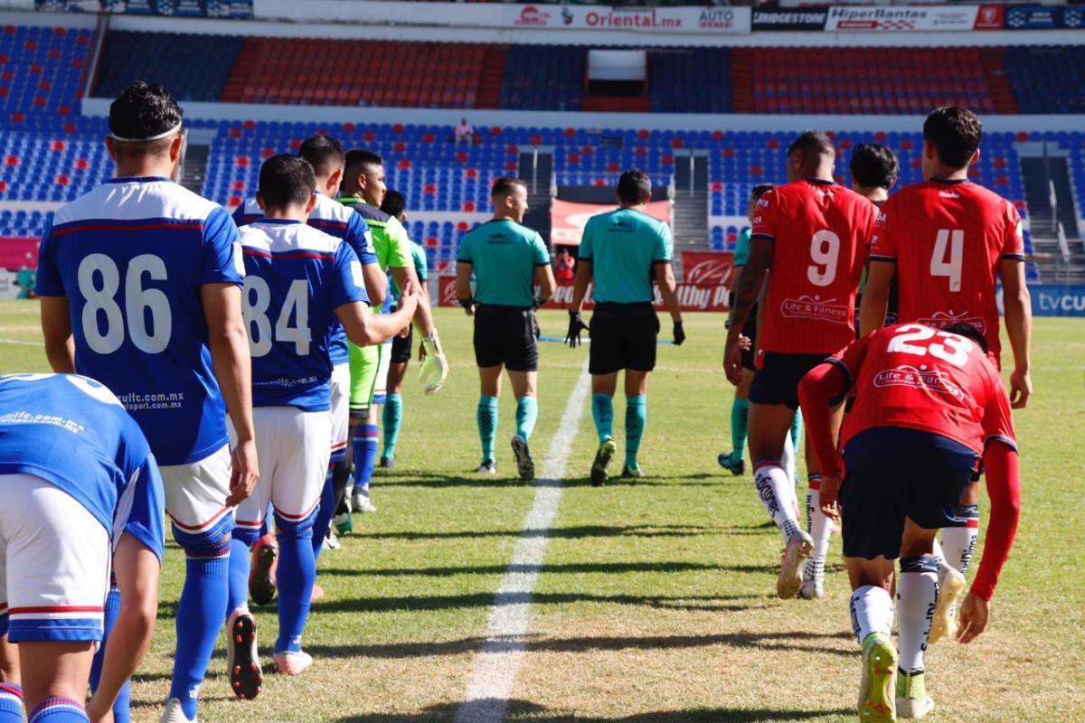 Minutos previos al encuentro entre Irapuato y Cruz Azul Hidalgo.